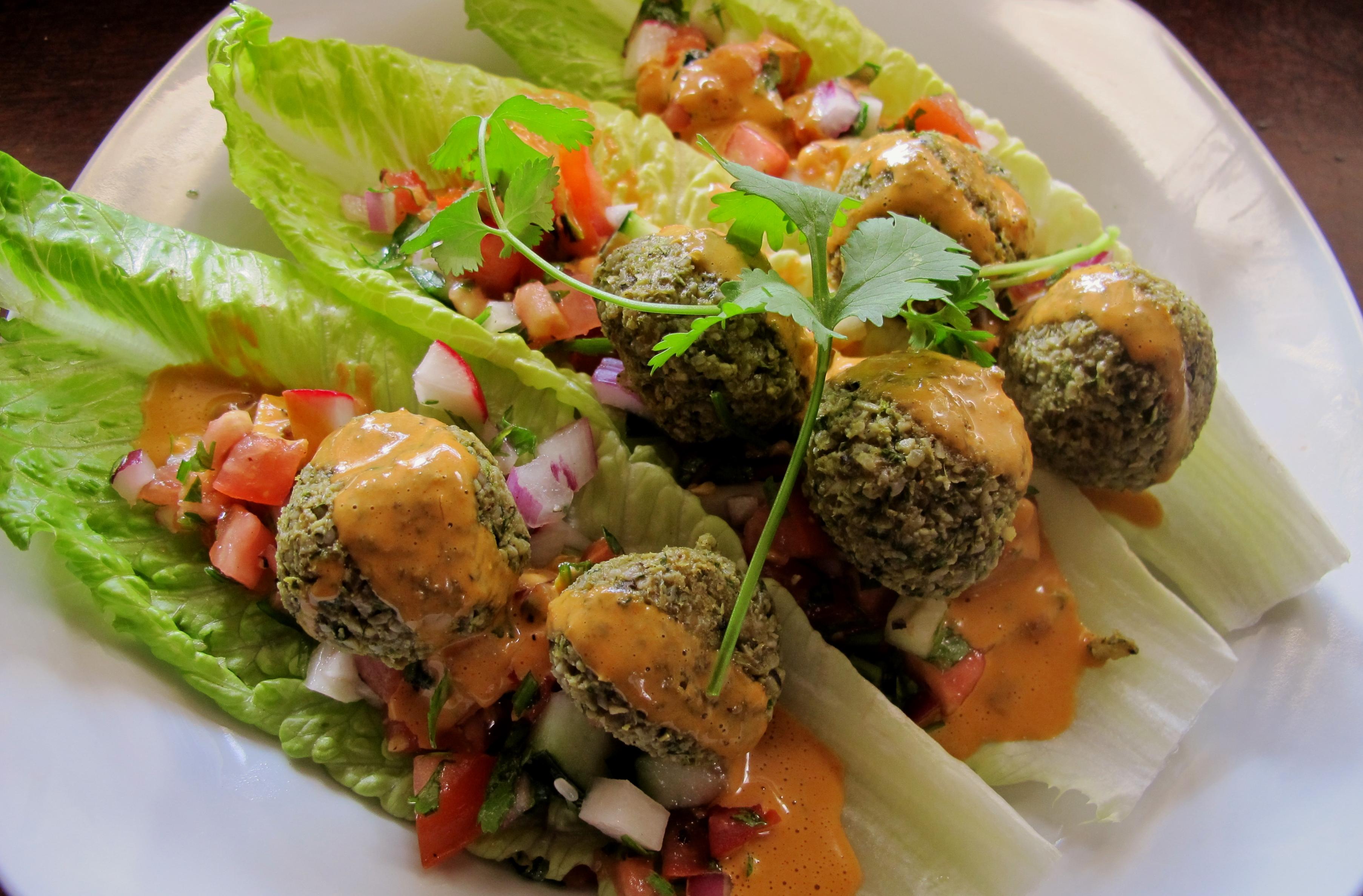 Falafel salad recipes dishmaps - Cuisine bernard falafel ...